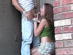 Sexhot com uma teen safadinha entrando na pica