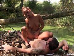Sexo no rio com casal de namorados