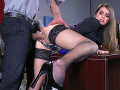 Video pprno com secretária fodendo com o patrão