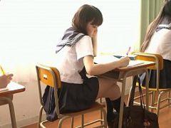 Filme pono asiático com novinha fazendo suruba com dois colegas de escola