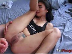 O primeiro anal de uma ninfeta