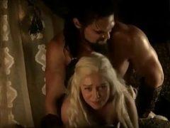 Emilia Clarke nua pelada transando em Game Of Thrones