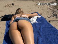 Comendo a namorada na praia